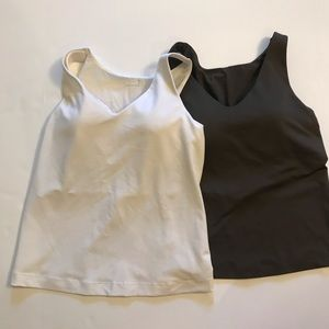 Althleta work out tanks with built in bra 32b/34b